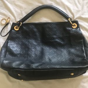 Louis Vuitton Monogram Empreinte Shoulder Bag